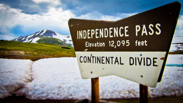 Independance Pass Colorado.jpg